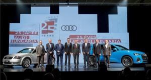 Peter Mosch, az Audi AG üzemi tanácsának elnöke, Peter Kössler, az Audi AG termelésért és logisztikáért felelős igazgatótanácsi tagja, Abraham Schot, az Audi AG igazgatótanácsának megbízott elnöke, Szijjártó Péter külgazdasági és külügyminiszter, Herbert Diess, a Volkswagen AG igazgatótanácsának elnöke, Achim Heinfling, az Audi Hungaria Zrt. igazgatóságának elnöke, Borkai Zsolt polgármester és Kelemen Imre, az Audi Hungaria Üzemi Tanácsának elnöke az Audi Hungária Zrt. alapításának 25. évfordulóján rendezett ünnepségen Győrben 2018. szeptember 20-án. MTI Fotó: Krizsán Csaba