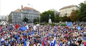 Az MSZP, DK és Párbeszéd a Sargentini-jelentés kapcsán szervezett tüntetése Budapesten, a Bem téren 2018. szeptember 16-án. MTI Fotó: Soós Lajos