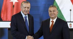 Recep Tayyip Erdogan török elnök (b) és Orbán Viktor miniszterelnök a megbeszélésüket követően tartott sajtótájékoztatón az Országházban 2018. október 8-án. MTI Fotó: Koszticsák Szilárd
