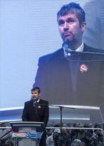 Hadházy Ákos független országgyűlési képviselő beszédet mond a Közös ellenzéki tüntetés a szabadságért, a korrupció ellen! címmel szervezett demonstráción a II. kerületi Bem téren az 1956-os forradalom és szabadságharc kitörésének 62. évfordulóján, 2018. október 23-án. MTI/Máthé Zoltán