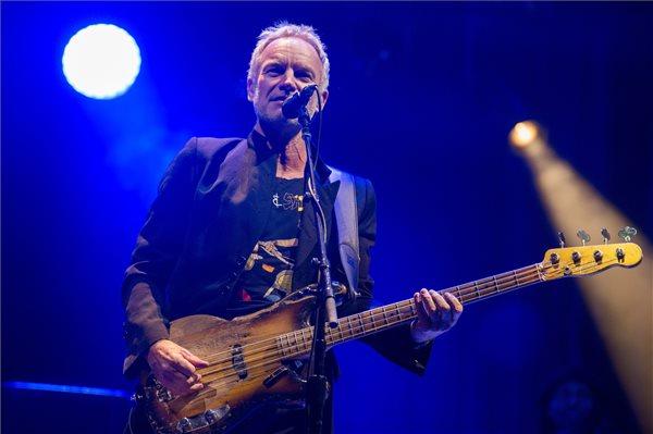 Sting brit énekes, zenész a Szerencsejáték Zrt. ingyenes koncertjén a budapesti Hősök terén 2018. november 24-én. MTI/Balogh Zoltán