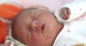 Az új év első vidéki újszülöttje, Sinka Vanda a Borsod Abaúj Zemplén Megyei Központi Kórház és Egyetemi Oktatókórház szülészetén 2019. január 1-jén. Vanda természetes úton, spontán szüléssel jött világra, 47 centiméterrel és 2350 grammal. MTI/Vajda János