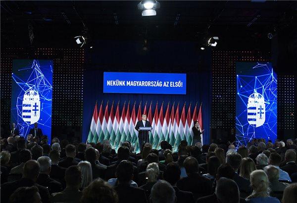 Orbán Viktor miniszterelnök hagyományos évértékelő beszédét tartja a Várkert Bazárban 2019. február 10-én. MTI/Koszticsák Szilárd