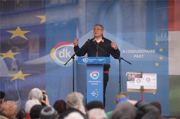 Gyurcsány Ferenc, a DK elnöke beszédet mond az 1848/49-es forradalom és szabadságharc emléknapján a Demokratikus Koalíció (DK) ünnepi rendezvényén Budapesten, az Egyetem téren 2019. március 15-én. MTI/Balogh Zoltán
