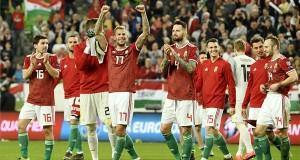 A magyar válogatott játékosai ünneplik győzelmüket a Magyarország - Horvátország labdarúgó Európa-bajnoki selejtezőmérkőzés végén a Groupama Arénában 2019. március 24-én. A magyar válogatott 2-1-re győzött. MTI/Koszticsák Szilárd