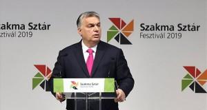 Orbán Viktor miniszterelnök beszédet mond a XII. Szakma Sztár Fesztiválon a Hungexpo Budapesti Vásárközpontban 2019. március 12-én. A március 14-ig tartó fesztiválon rendezik meg a Szakma Kiváló Tanulója Verseny, az Országos Szakmai Tanulmányi Verseny és a SkillsHungary döntőit. MTI/Máthé Zoltán