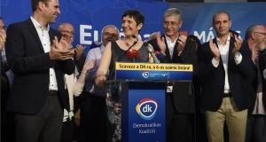 Gyurcsány Ferenc, a Demokratikus Koalíció (DK) elnöke (j2), felesége, Dobrev Klára, a DK EP-listavezetője, Molnár Csaba (b) és Rónai Sándor (j) a párt mandátumot szerzett képviselői a DK eredményváró rendezvényén a fővárosi Radisson Blue Béke Hotelben az európai parlamenti (EP-) választás napján, 2019. május 26-án. MTI/Bruzák Noémi