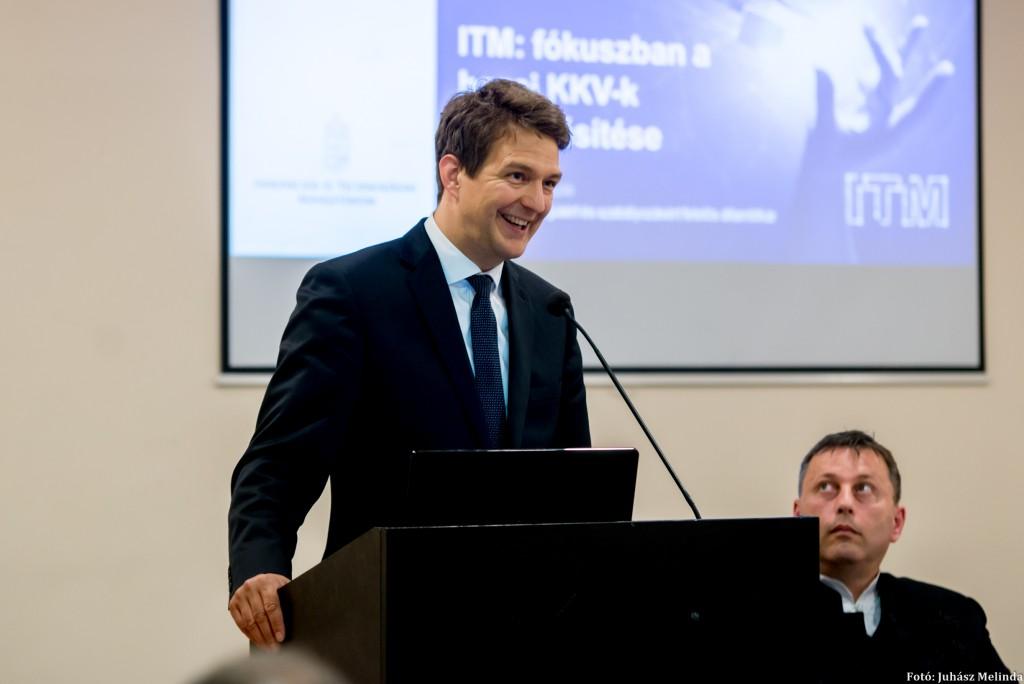 DR.  György László, az Innovációs és Technológiai Minisztérium (ITM) gazdaságstratégiáért és szabályozásért felelős államtitkára Fotó: Juhász Melinda
