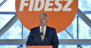 Semjén Zsolt nemzetpolitikáért, egyházügyekért és nemzetiségekért felelős miniszterelnök-helyettes beszél a Fidesz eredményváró rendezvényén tartott sajtótájékoztatón a Bálna Budapest rendezvényközpontban 2019. május 26-án. MTI/Máthé Zoltán