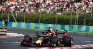 Amber-Magyar_F1-idomero-Verstappen