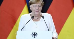 Angela Merkel német kancellár az Orbán Viktor miniszterelnökkel közösen tett sajtónyilatkozat közben a Páneurópai Piknik 30. évfordulója alkalmából tartott ökumenikus istentisztelet után a soproni városházán 2019. augusztus 19-én. MTI/Koszticsák Szilárd