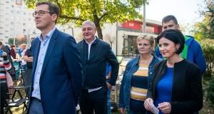 Karácsony Gergely főpolgármester-jelölt, Gyurcsány Ferenc, a Demokratikus Koalíció (DK) elnöke, Németh Angéla újpalotai polgármesterjelölt és Kunhalmi Ágnes MSZP-s országgyűlési képviselő, választmány elnök (b-j) az ellenzék XV. kerületi kampányzáró rendezvényén 2019. október 12-én. MTI/Balogh Zoltán