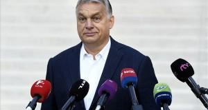 Orbán Viktor miniszterelnök nyilatkozik a sajtó munkatársainak, miután leadta szavazatát az önkormányzati választáson a Zugligeti Általános Iskolában 2019. október 13-án. MTI/Koszticsák Szilárd