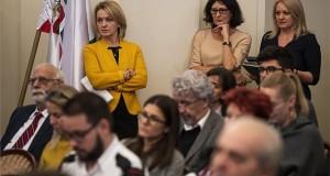 Bán Teodóra, a Szabad Tér Színház Nonprofit Kft. ügyvezető igazgatója a Fővárosi Közgyűlés ülésén a budapesti Városházán 2019. december 11-én. MTI/Mónus Márton