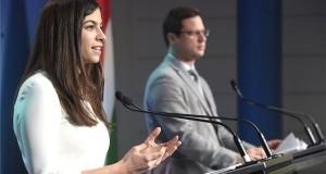Gulyás Gergely, a Miniszterelnökséget vezető miniszter és Szentkirályi Alexandra kormányszóvívő a Kormányinfó sajtótájékoztatón a Miniszterelnöki Kabinetiroda Garibaldi utcai sajtótermében 2020. január 30-án. MTI/Bruzák Noémi