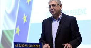 Gyurcsány Ferenc, a Demokratikus Koalíció (DK) elnöke 16. évértékelő beszédét tartja Budapesten, a Sofitel Hotelben 2020. február 9-én. MTI/Kovács Tamás