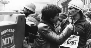 Wichmann Déri János mikrofonja előtt FOTO:FORTEPAN / Rádió és Televízió Újság, CC BY-SA 3.0, https://commons.wikimedia.org/w/index.php?curid=50548867