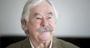 Életének 84. évében meghalt Csukás István Kossuth-díjas költő, író, a nemzet művésze 2020. február 24-én. A felvétel 2017. november 15-én készült budai otthonában. MTI/Mohai Balázs
