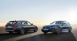 P90389004-the-new-bmw-530e-xdrive-sedan-phytonic-blue-metallic-m-sport-package-and-the-new-bmw-530i-touring-so-2411px