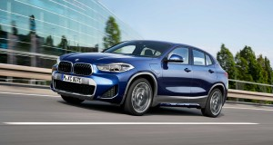 P90389804-the-new-bmw-x2-xdrive25e-phytonic-blue-metallic-rim-19-styling-722-m-05-2020-2250px