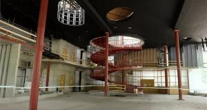 A Városligetben épülő Magyar Zene Házának belső tere 2020. május 28-án. Már épül a Magyar Zene Háza egyes szakaszokon 12 méter magas, vízszintes szerkezeti osztás nélküli, egybefüggő homlokzati üvegtáblákból álló homlokzati üvegfala, amely a maga nemében egész Európa legnagyobbja lesz. A világhírű japán építész, Fudzsimoto Szu által tervezett, hármas funkciójú épület egyaránt szolgál majd állandó és időszaki kiállítások otthonaként, fogad be zenei eseményeket és működik zenepedagógiai központként, a zenei beavatás színtereként. A Magyar Zene Háza nyitása várhatóan 2021 decemberében lesz. MTI/Koszticsák Szilárd