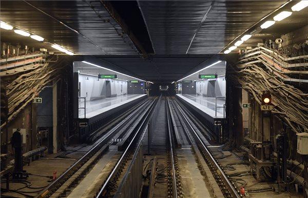 A megújult Ecseri úti állomás a 3-as metróvonal felújított déli, a Nagyvárad tér és Kőbánya-Kispest közötti szakaszának átadásán 2020. október 22-én. MTI/Máthé Zoltán