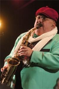 Elhunyt Bergendy István Liszt Ferenc-díjas zenész, a Bergendy együttes alapítója és vezetője. A szaxofonos, klarinétos, zeneszerző 81 évesen halt meg a koronavírus-fertőzés szövődményeinek következtében. A felvétel 2005. december 31-én, szilveszterkor készült a Kossuth téren. MTI/Szigetváry Zsolt