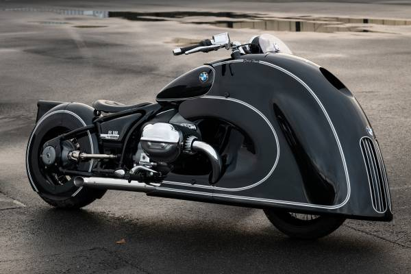 P90411157--spirit-of-passion-bmw-motorrad-presents-new-r-18-custom-bike-01-2021-600px
